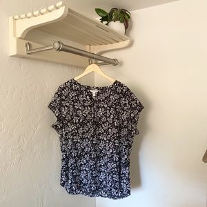 Black and White Floral Short Sleeve Buttoned Top
